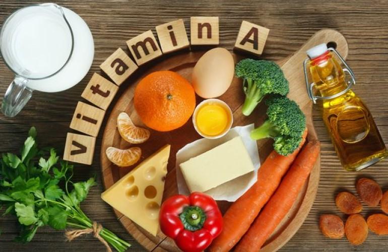 Сыр, яйца, курага, брокколи, морковь, мандарины